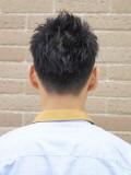 黒髪ツーブロックベリーショート