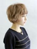 リラックスショートヘアスタイル