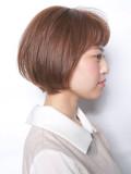 短め前髪の丸みショートボブ