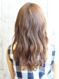 ボリュームパーマと厚め前髪