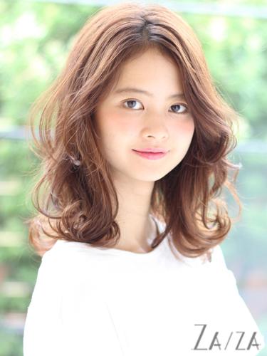 短め前髪ロングスタイル