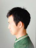 メンズナチュラルな黒髪ベリーショートスタイル