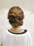 シンプル三つ編みヘアアレンジ