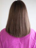前髪長めストレート内巻きミディアム
