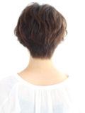 前髪長めの大人ショート
