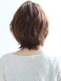 流し前髪のレディショート
