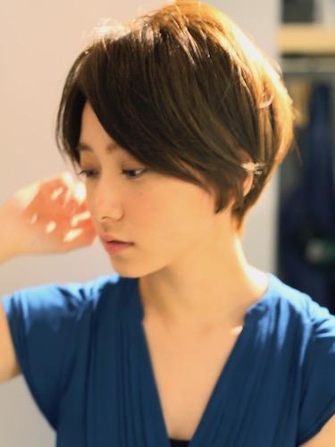 biotokyo-髪型-2019-0602-沖島-ヘアスタイル-大人-ショート-ショートボブ-流行-オシャレ-トウキョウ-ボヘミアン-東京