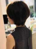 biotokyo-髪型-2019-0801-沖島-ヘアスタイル-大人-ショート-ショートボブ-ハンサム-流行-オシャレ-トウキョウ-ボヘミアン-東京