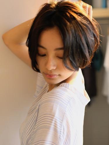 biotokyo-髪型-2019-0806-沖島-ヘアスタイル-大人-ショート-ショートボブ-ハンサム-流行-オシャレ-トウキョウ-ボヘミアン-東京-1
