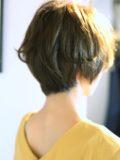 biotokyo-髪型-2019-1105-沖島-ヘアスタイル-大人-ショート-ショートボブ-パーマ-ハンサム-流行-オシャレ-トウキョウ-ボヘミアン-美容室-美容院-青山一丁目-外苑前-東京-1