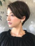 前髪長め耳掛けショートヘア 大人ショート (滝川クリステルさん風)