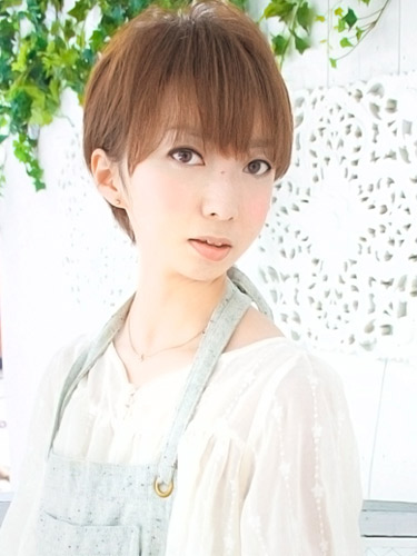 篠田麻里子風 人気 ショートヘアスタイル