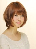 シンプルなツヤ髪ショート