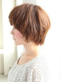 ふんわりショートヘアスタイル